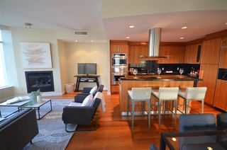 "Photo 5: 2901 1281 W CORDOVA Street in Vancouver: Coal Harbour Condo for sale in ""Callisto"" (Vancouver West)  : MLS®# R2389062"