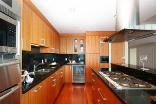 "Photo 6: 2901 1281 W CORDOVA Street in Vancouver: Coal Harbour Condo for sale in ""Callisto"" (Vancouver West)  : MLS®# R2389062"
