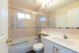 Photo 11: 4381 VIPOND Place in Burnaby: Metrotown House 1/2 Duplex for sale (Burnaby South)  : MLS®# R2396249
