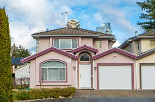 Photo 1: 4381 VIPOND Place in Burnaby: Metrotown House 1/2 Duplex for sale (Burnaby South)  : MLS®# R2396249