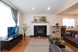 Photo 2: 4381 VIPOND Place in Burnaby: Metrotown House 1/2 Duplex for sale (Burnaby South)  : MLS®# R2396249
