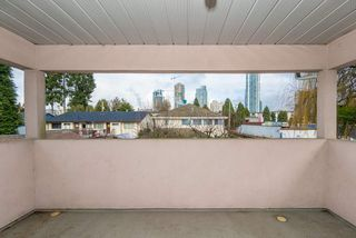 Photo 15: 4381 VIPOND Place in Burnaby: Metrotown House 1/2 Duplex for sale (Burnaby South)  : MLS®# R2396249