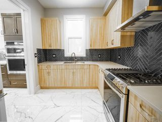Photo 18: 2703 WHEATON Drive in Edmonton: Zone 56 House for sale : MLS®# E4181801