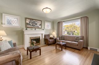 Photo 3: 3760 W 21ST Avenue in Vancouver: Dunbar House for sale (Vancouver West)  : MLS®# R2497811