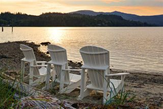 """Photo 1: 5924 OLDMILL Lane in Sechelt: Sechelt District Townhouse for sale in """"EDGEWATER AT PORPOISE BAY"""" (Sunshine Coast)  : MLS®# R2504979"""