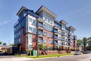 Photo 1: 203 2229 ATKINS Avenue in Port Coquitlam: Central Pt Coquitlam Condo for sale : MLS®# R2519456
