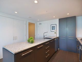 "Photo 3: 701 522 W 8TH Avenue in Vancouver: Fairview VW Condo for sale in ""CROSSROADS"" (Vancouver West)  : MLS®# V969156"