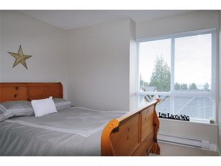 "Photo 6: 115 1460 SOUTHVIEW Street in Coquitlam: Burke Mountain Townhouse for sale in ""CEDAR CREEK"" : MLS®# V984770"