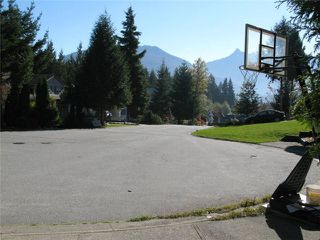 "Photo 5: 1047 TOBERMORY Way in Squamish: Garibaldi Highlands House for sale in ""TOBERMORY"" : MLS®# V987727"