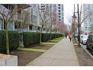 "Photo 8: 626 CITADEL PARADE Boulevard in Vancouver: Downtown VW Townhouse for sale in ""SPECTRUM 4 BY CONCORD PACIFIC"" (Vancouver West)  : MLS®# V988318"