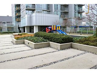 "Photo 9: 626 CITADEL PARADE Boulevard in Vancouver: Downtown VW Townhouse for sale in ""SPECTRUM 4 BY CONCORD PACIFIC"" (Vancouver West)  : MLS®# V988318"