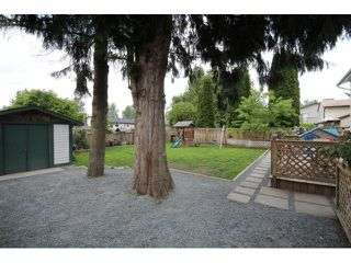 Photo 15: 26549 32ND AV in Langley: Aldergrove Langley House for sale : MLS®# F1413201