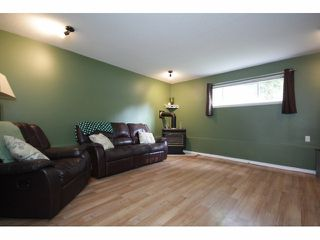 Photo 8: 26549 32ND AV in Langley: Aldergrove Langley House for sale : MLS®# F1413201