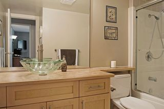 Photo 19: 203 1410 BLACKWOOD STREET: White Rock Condo for sale (South Surrey White Rock)  : MLS®# R2027671