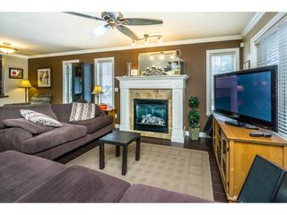 Photo 6: 29 6238 192 STREET in Surrey: Cloverdale BC Townhouse for sale (Cloverdale)  : MLS®# R2137639