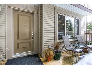 Photo 2: 29 6238 192 STREET in Surrey: Cloverdale BC Townhouse for sale (Cloverdale)  : MLS®# R2137639