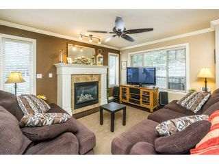 Photo 5: 29 6238 192 STREET in Surrey: Cloverdale BC Townhouse for sale (Cloverdale)  : MLS®# R2137639