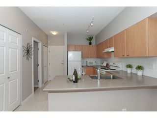 Photo 7: 404 14877 100 Avenue in Surrey: Guildford Condo for sale : MLS®# R2290345