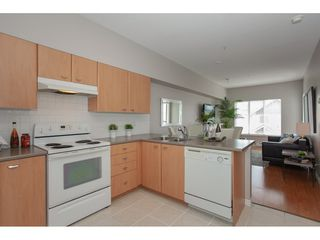 Photo 8: 404 14877 100 Avenue in Surrey: Guildford Condo for sale : MLS®# R2290345