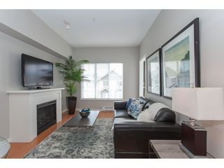 Photo 2: 404 14877 100 Avenue in Surrey: Guildford Condo for sale : MLS®# R2290345