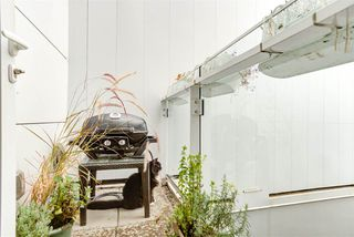 "Photo 15: 2208 WILLOW Street in Vancouver: Fairview VW Townhouse for sale in ""6TH + STEEL"" (Vancouver West)  : MLS®# R2412680"