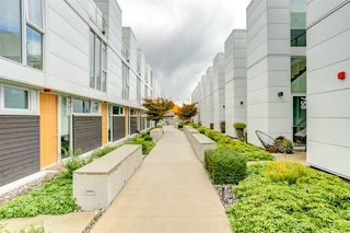 "Photo 6: 2208 WILLOW Street in Vancouver: Fairview VW Townhouse for sale in ""6TH + STEEL"" (Vancouver West)  : MLS®# R2412680"