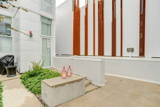 "Photo 7: 2208 WILLOW Street in Vancouver: Fairview VW Townhouse for sale in ""6TH + STEEL"" (Vancouver West)  : MLS®# R2412680"