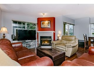 "Photo 7: 55 8892 208 Street in Langley: Walnut Grove Townhouse for sale in ""Hunters Run"" : MLS®# R2435766"