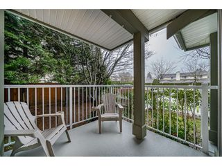 "Photo 10: 55 8892 208 Street in Langley: Walnut Grove Townhouse for sale in ""Hunters Run"" : MLS®# R2435766"