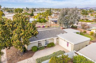 Photo 1: SERRA MESA House for sale : 3 bedrooms : 2995 Mission Village Dr in San Diego