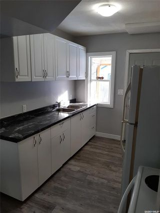 Photo 2: 118 F Avenue South in Saskatoon: Riversdale Residential for sale : MLS®# SK805881