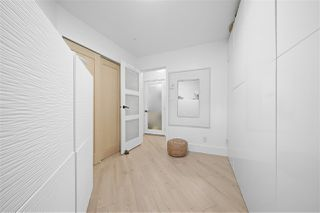 Photo 15: 301 150 W 22ND Street in North Vancouver: Central Lonsdale Condo for sale : MLS®# R2462253