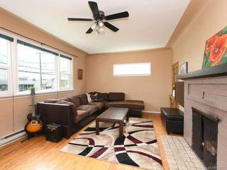 Photo 2: 521 E Burnside Rd in Victoria: Vi Burnside House for sale : MLS®# 839272