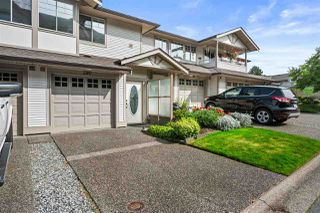 """Photo 2: 280 20391 96 Avenue in Langley: Walnut Grove Townhouse for sale in """"Chelsea Green"""" : MLS®# R2490946"""
