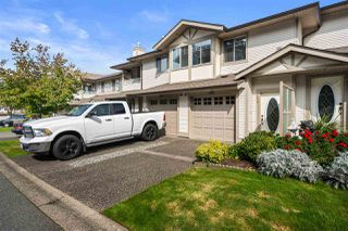 """Photo 3: 280 20391 96 Avenue in Langley: Walnut Grove Townhouse for sale in """"Chelsea Green"""" : MLS®# R2490946"""