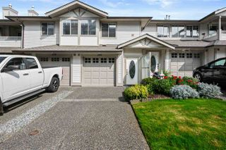 """Photo 1: 280 20391 96 Avenue in Langley: Walnut Grove Townhouse for sale in """"Chelsea Green"""" : MLS®# R2490946"""