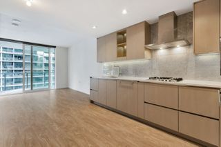 "Photo 9: 812 89 NELSON Street in Vancouver: Yaletown Condo for sale in ""THE ARC"" (Vancouver West)  : MLS®# R2504656"