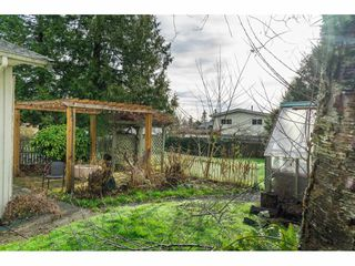 Photo 26: 15916 RUSSELL Avenue: White Rock House for sale (South Surrey White Rock)  : MLS®# R2527400