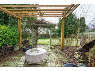 Photo 27: 15916 RUSSELL Avenue: White Rock House for sale (South Surrey White Rock)  : MLS®# R2527400