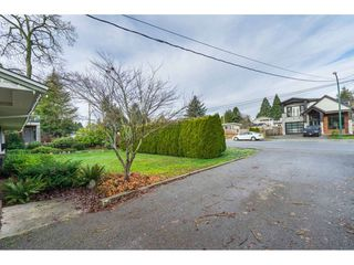 Photo 32: 15916 RUSSELL Avenue: White Rock House for sale (South Surrey White Rock)  : MLS®# R2527400