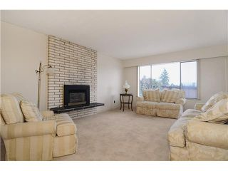 Photo 3: 611 BOURNEMOUTH Crescent in North Vancouver: Windsor Park NV House for sale : MLS®# V935406