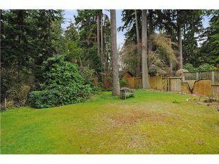 Photo 2: 611 BOURNEMOUTH Crescent in North Vancouver: Windsor Park NV House for sale : MLS®# V935406