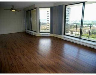 """Photo 7: 805 444 LONSDALE Avenue in North Vancouver: Lower Lonsdale Condo for sale in """"ROYAL KENSINGTON"""" : MLS®# V941173"""