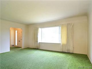 Photo 2: 907 Shirley Rd in VICTORIA: Es Kinsmen Park Single Family Detached for sale (Esquimalt)  : MLS®# 613829