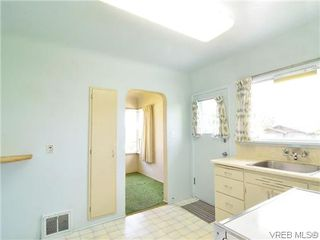 Photo 7: 907 Shirley Rd in VICTORIA: Es Kinsmen Park Single Family Detached for sale (Esquimalt)  : MLS®# 613829