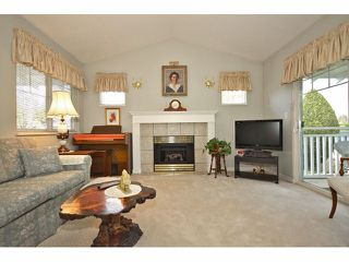 """Photo 2: 1 20788 87TH Avenue in LANGLEY: Walnut Grove Townhouse for sale in """"KENSINGTON VILLAGE"""" (Langley)  : MLS®# F1308814"""
