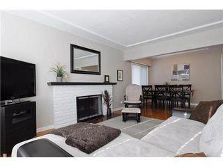 Photo 3: 2411 ADANAC Street in Vancouver East: Renfrew VE Home for sale ()  : MLS®# V929941