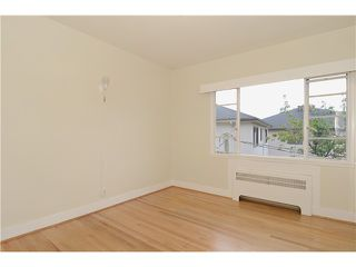 "Photo 10: 4 2110 W 47TH Avenue in Vancouver: Kerrisdale Condo for sale in ""BOULEVARD APARTMENTS"" (Vancouver West)  : MLS®# V1025864"