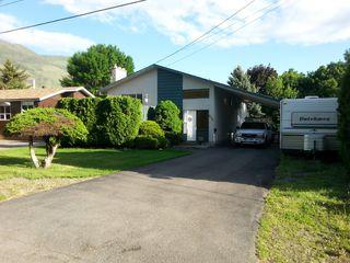 Photo 1: 675 Steinke Place in Kamloops: Westsyde House for sale : MLS®# 122804