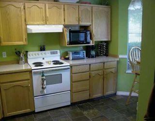 """Photo 3: 17 11580 BURNETT ST in Maple Ridge: East Central Townhouse for sale in """"CEDAR ESTATES"""" : MLS®# V603724"""